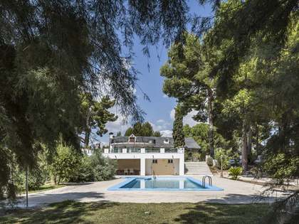 436m² House / Villa for sale in Alicante ciudad, Alicante