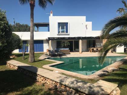 207m² villa for sale in Binisafua Playa, Menorca