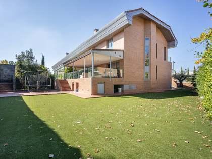 huis / villa van 363m² te koop met 325m² Tuin in Pozuelo