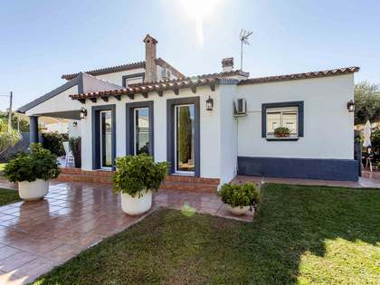 240m² villa with a garden for sale in Dénia, Costa Blanca