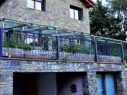 750m² hus/villa med 200m² Trädgård till salu i La Massana