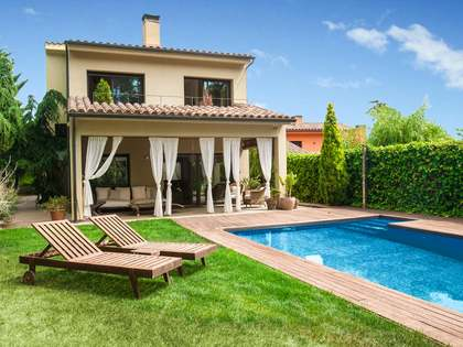 Beautiful detached 5-bedroom house for sale in Argentona