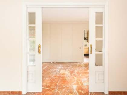 Pis de 147m² en venda a Tres Torres, Barcelona