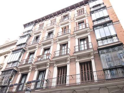 5-bedroom apartment with huge potential for renovation in Palacio, Madrid