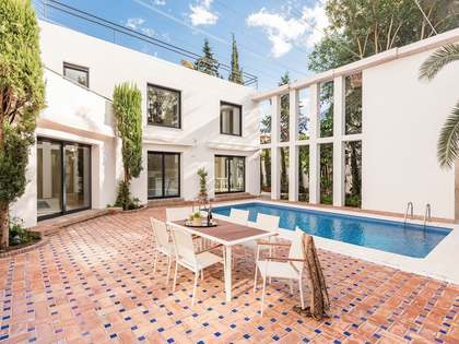Modern 4-bedroom villa for sale in Nueva Andalucia, Marbella