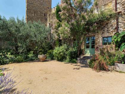 584 m² house for sale in Baix Empordà, Girona