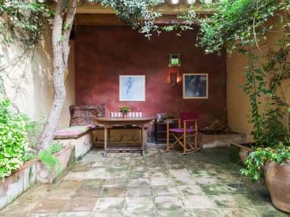 Antigua casa renovada en venta en Sitges, cerca de la playa