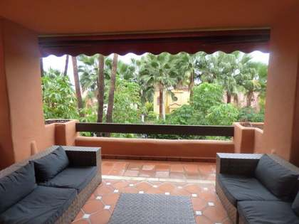 150 m² apartment with 42 m² terrace for sale, Nueva Andalucía