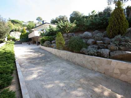 Huis / Villa van 205m² te koop in Vallromanes, Maresme