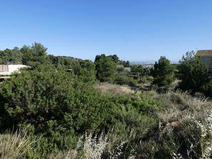 1,110m² Plot for sale in Los Monasterios, Valencia