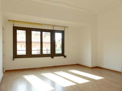 Luminosa vivienda modernista de 220 m² en Pla del Remei