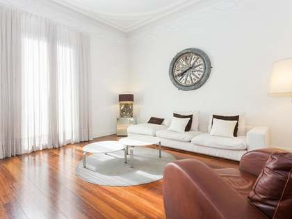 3-bedroom apartment for sale on Carrer Diputació