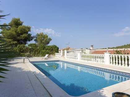 Casa / Vil·la de 236m² en venda a Levantina, Barcelona