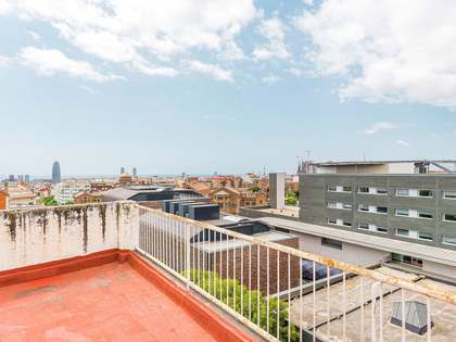 72m² Penthouse with 100m² terrace for sale in Gràcia