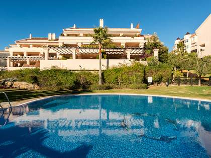 Penthouse duplex to buy in the Golf Valley, Nueva Andalucia