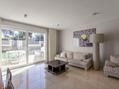 231m² House for rent in Rocafort