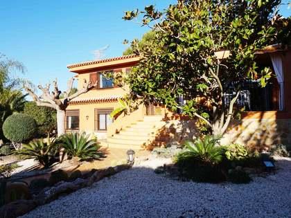 Villa clásica de 6 dormitorios en venta en Monasterios