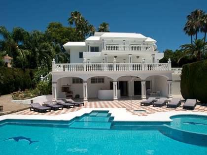 Casa / Villa de 642m² con 2,660m² de jardín en venta en Nueva Andalucía