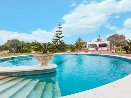 450 m² villa with 49,550 m² garden for sale in Menorca