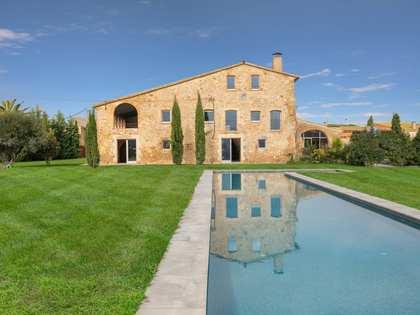 Landhuis van 1,628m² te koop in Alt Emporda, Girona