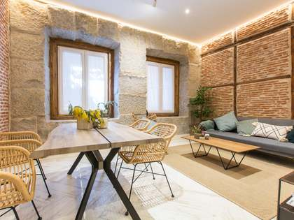 102m² Apartment for sale in Embajadores, Madrid