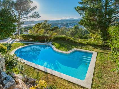 Costa Brava villa near village and Llafranc beach for sale