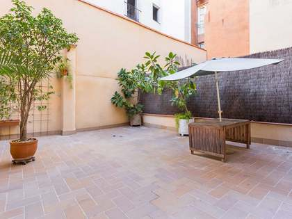 Apartment to renovate with a great terrace in the Born