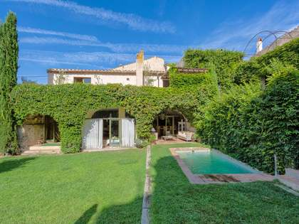 308m² Country house with 170m² garden for sale in Baix Empordà