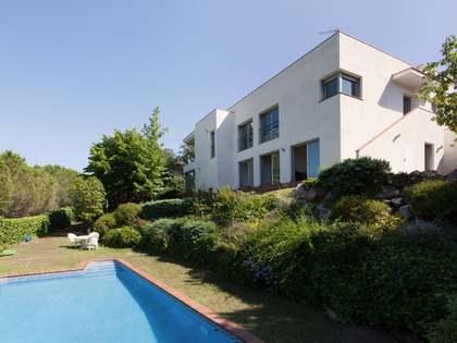 Villa moderna en venta en Alella, en la costa del Maresme
