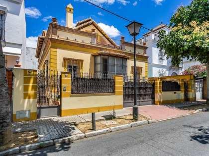 Casa / Villa di 428m² con 50m² terrazza in vendita a Sevilla