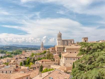 Bâtiment de 1,371m² a vendre à Girona Ville, Gérone