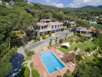 Villa de 385m² en venta en Premià de Dalt, Maresme