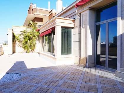 530m² Takvåning med 100m² terrass till uthyrning i El Pla del Real