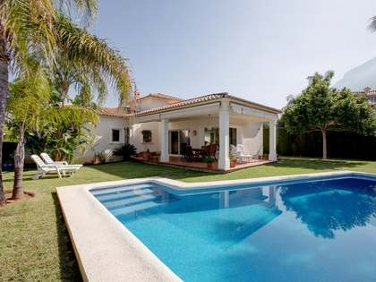 174 m² villa with 30 m² terrace for rent in Denia