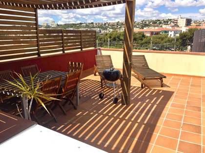 在 Sitges Town, 巴塞罗那 70m² 出售 顶层公寓 包括 50m² 露台
