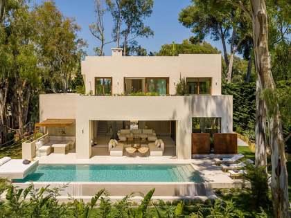 Huis / Villa van 320m² te koop met 100m² terras in Los Monteros