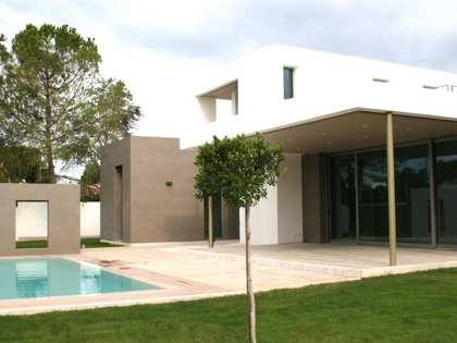 Huis / Villa van 250m² te koop in La Eliana, Valencia