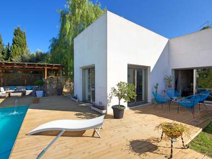 350m² House / Villa for sale in Cabo de las Huertas