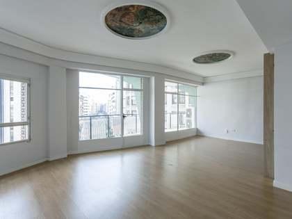 Appartement van 275m² te koop met 21m² terras in El Pla del Remei