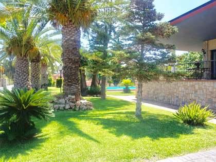 Villa de 420m² con jardín en alquiler en La Eliana