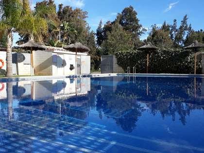 221m² House / Villa for sale in Playa Sagunto, Valencia