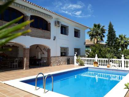 450m² House / Villa for sale in Málaga, Spain