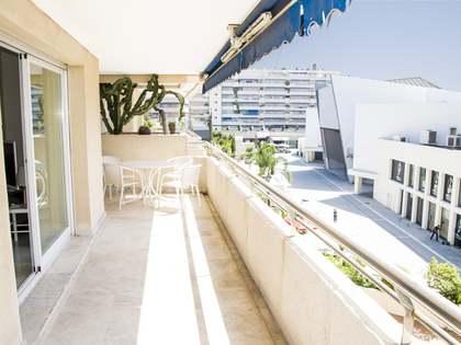 Apartamento de 136m² con terraza en venta en Puerto Banús