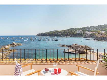 327m² house for sale in Calella de Palafrugell