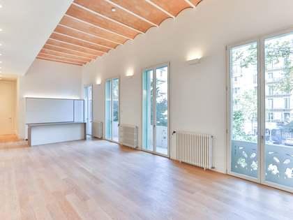 Piso de 178m² con terraza en venta en Eixample Derecho