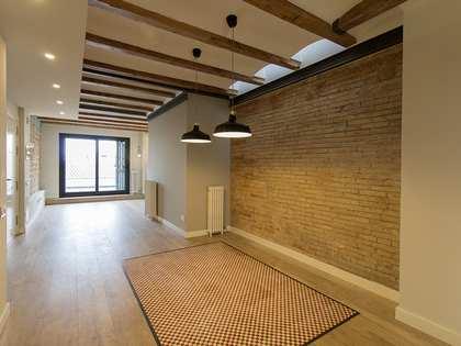Ático de 127 m² con 180 m² de terraza en venta en Eixample
