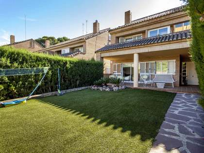 4-bedroom house with 100m² garden for sale in Rocafort