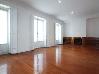 152 m² apartment for rent in Recoletos, Madrid