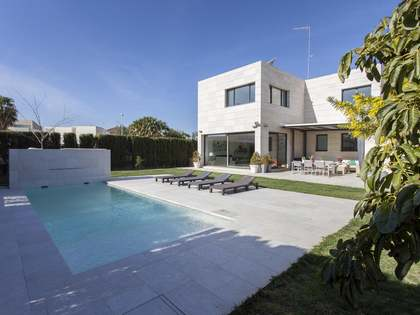 198 m² house for sale in Rocafort, Valencia