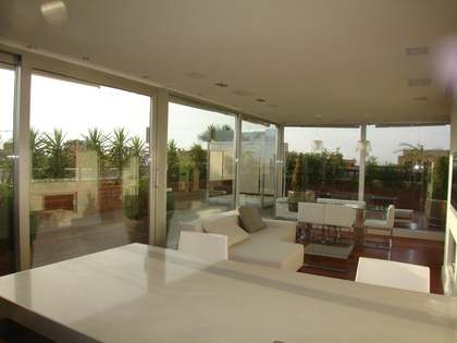 Duplex penthouse for rent in Valencia city